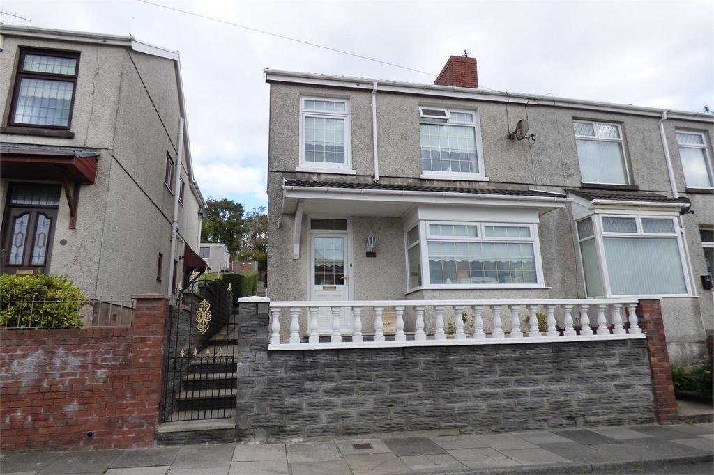 3 Bedrooms End Of Terrace House for sale in 19 Margam Place, Llanelli, Carmarthenshire