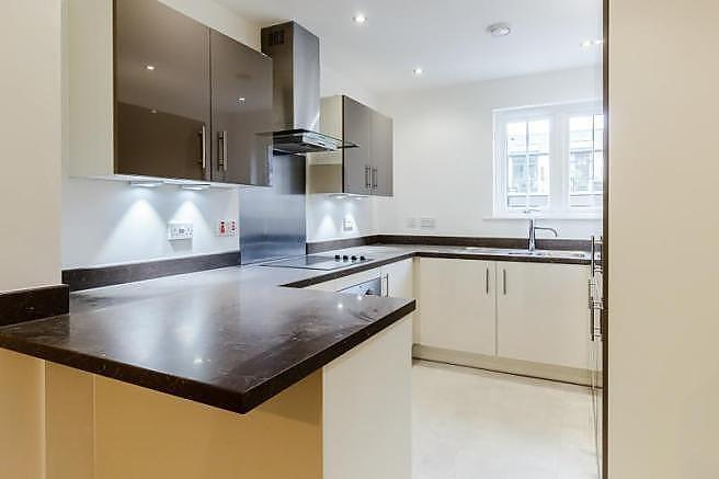 3 Bedrooms Town House for sale in 20 The Courtyard, Axwell Park