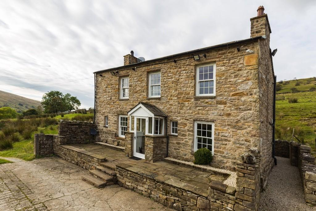 3 Bedrooms Farm House Character Property for sale in Roger Pot, Garsdale, Sedbergh