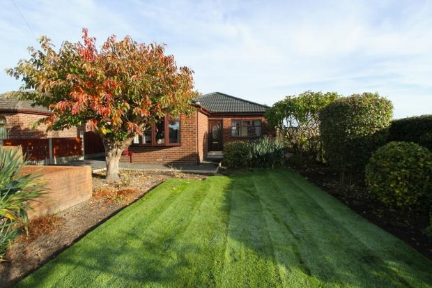 2 Bedrooms Detached Bungalow for sale in Chestnut Grove Ashton In Makerfield Wigan