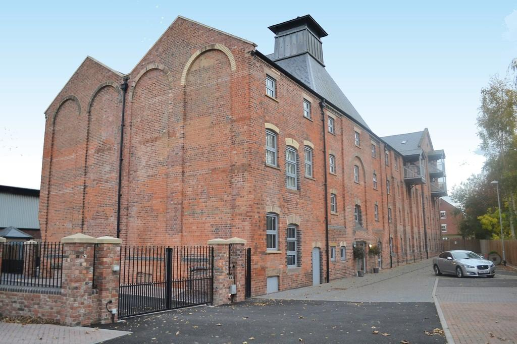 1 Bedroom Apartment Flat for sale in The Malt House, Cairns Close, Lichfield