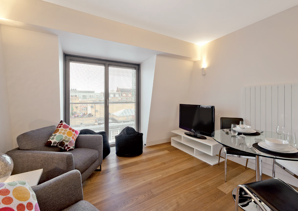 2 Bedrooms Flat for sale in Picton Place, London. W1U