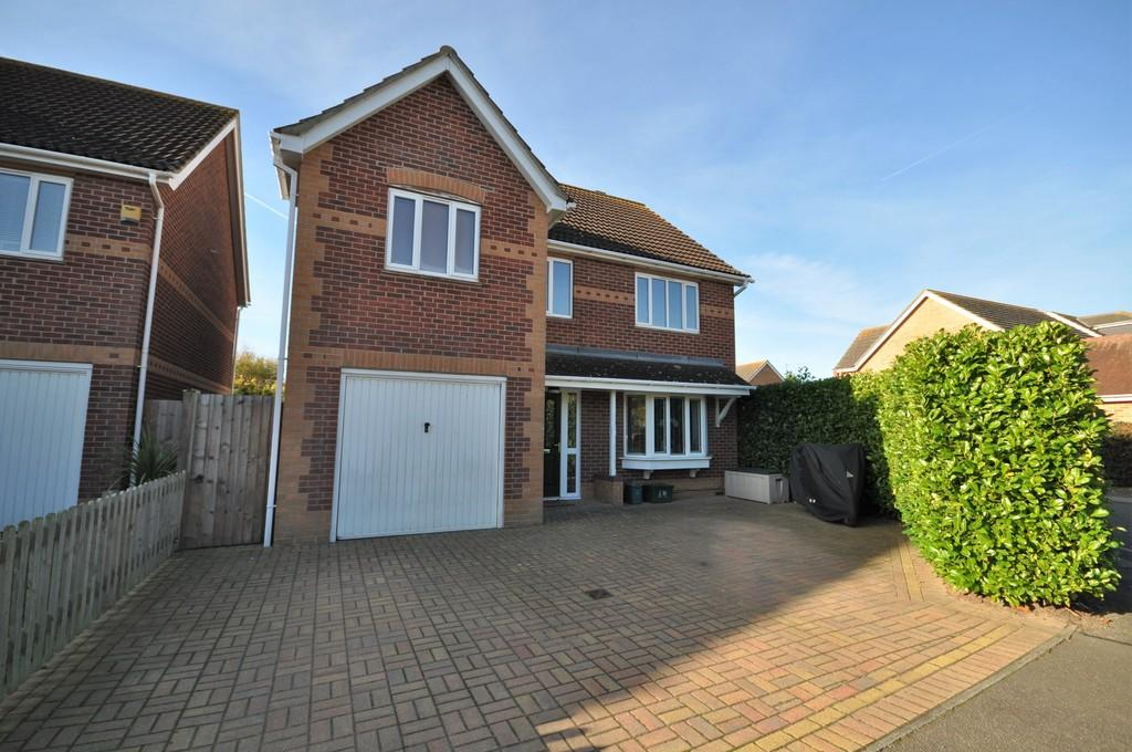 6 Bedrooms Detached House for sale in Gladiator Way, Roman Fields, West Colchester