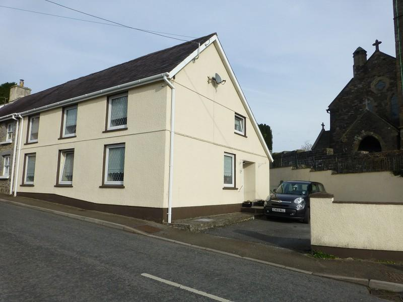 3 Bedrooms Semi Detached House for sale in Llandeilo Road, Llandybie, Ammanford, Carmarthenshire.