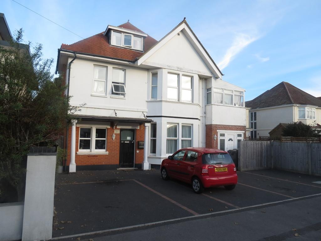 6 Bedrooms Detached House for sale in Pinecliffe Avenue