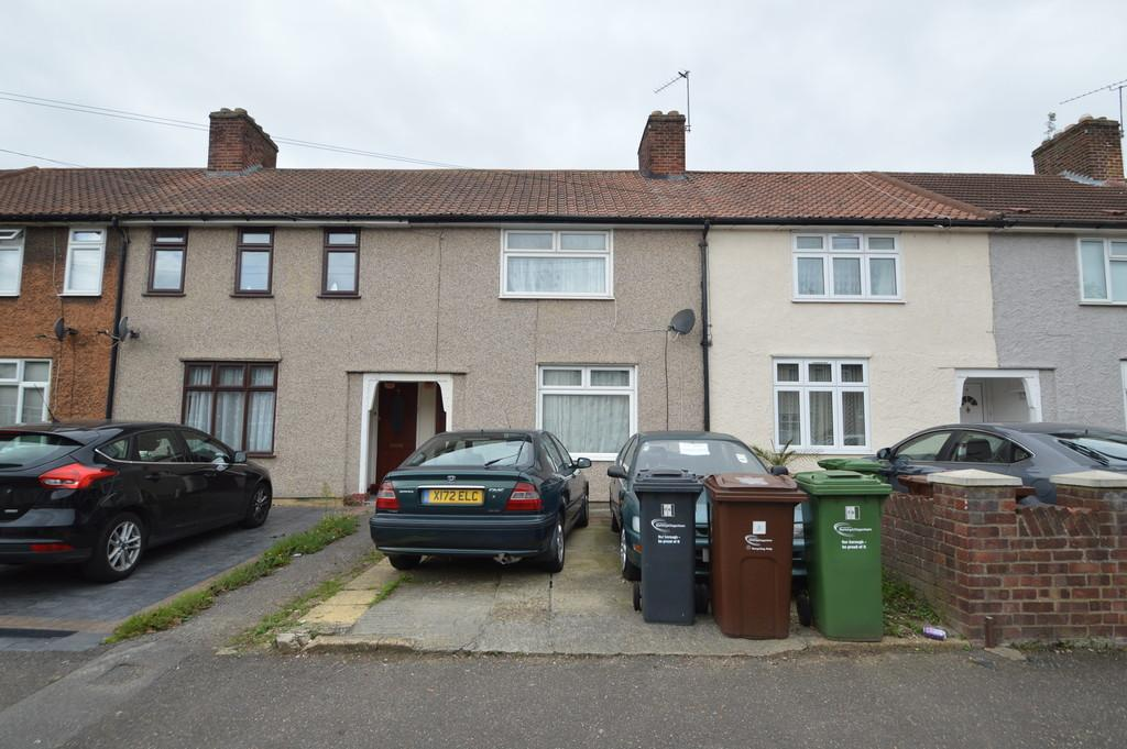 2 Bedrooms Terraced House for sale in Hunters Square, Dagenham