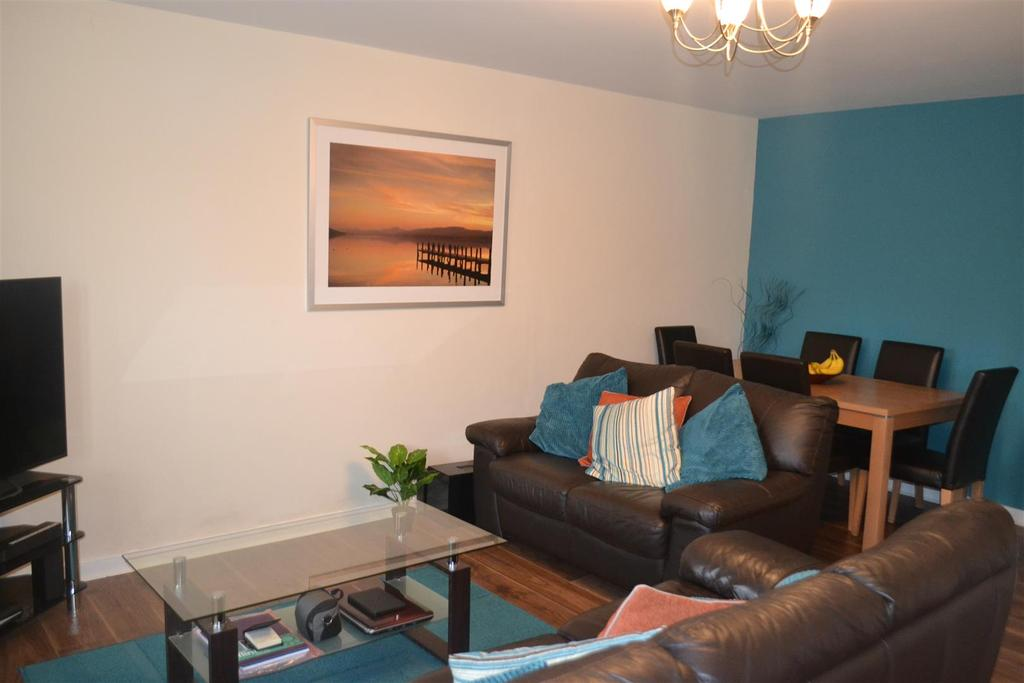 2 Bedrooms Apartment Flat for sale in Hobby Way, Cannock