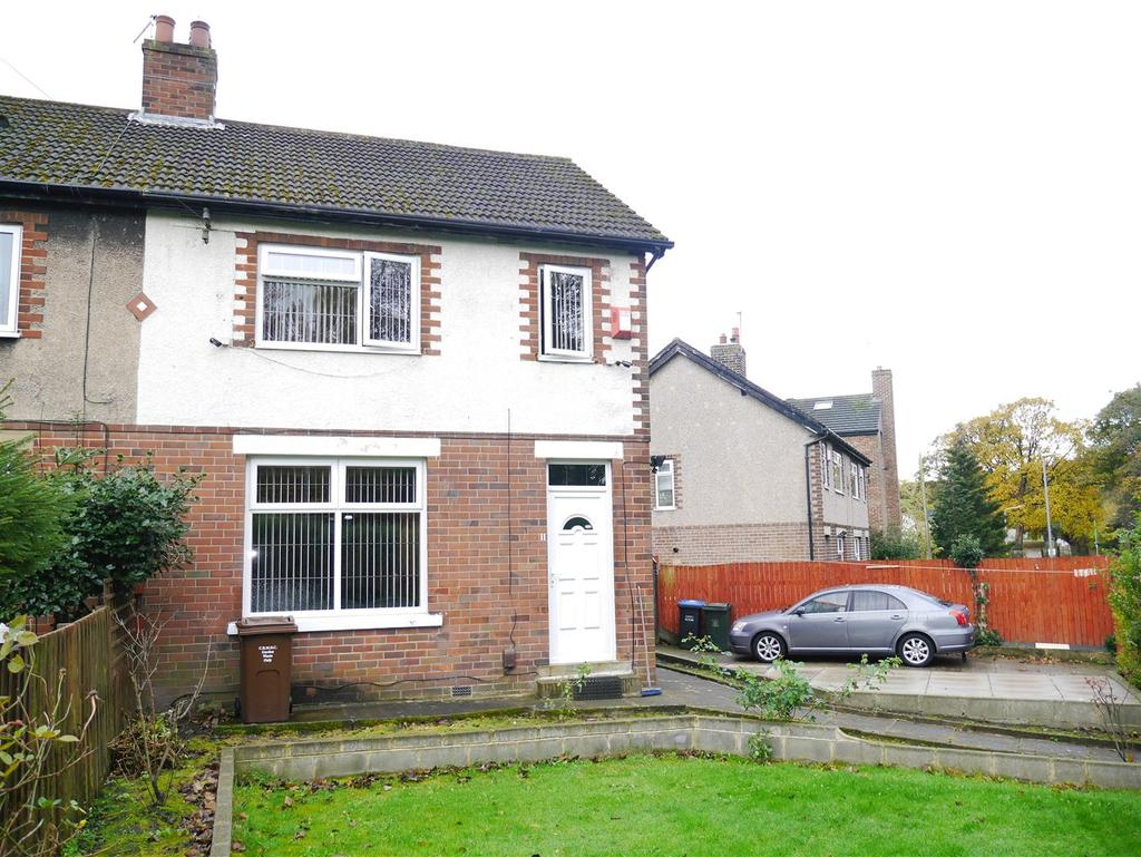 3 Bedrooms Semi Detached House for sale in Burras Road, East Bowling, Bradford, BD4 7TE