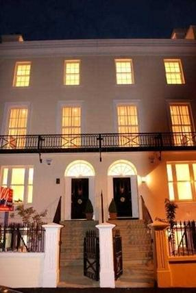 4 Bedrooms House for sale in Derby Square, Douglas, IM1 3LP