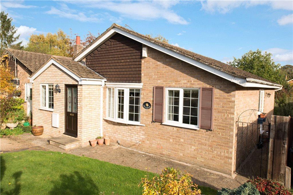 3 Bedrooms Detached Bungalow for sale in Marriotts Close, Felmersham, Bedford, Bedfordshire