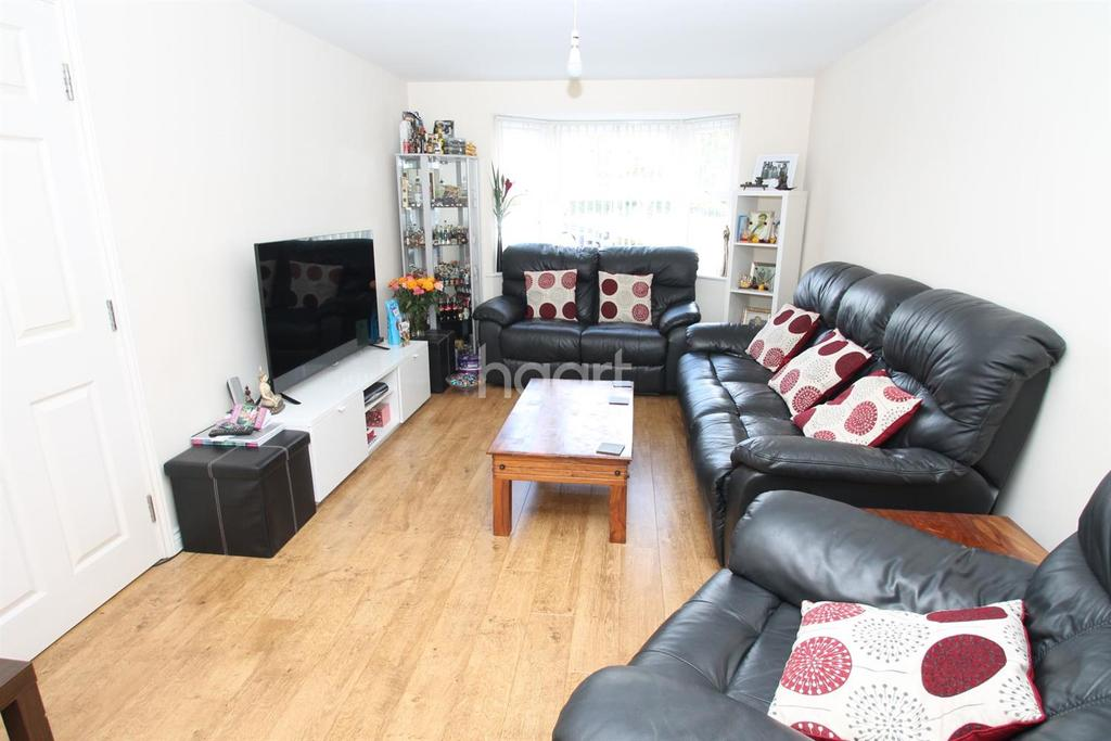 6 Bedrooms Semi Detached House for sale in Picton Close, Hamilton, Leicester
