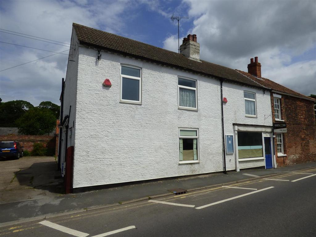 4 Bedrooms Semi Detached House for sale in 13 Main Street, Leconfield, HU17 7NQ