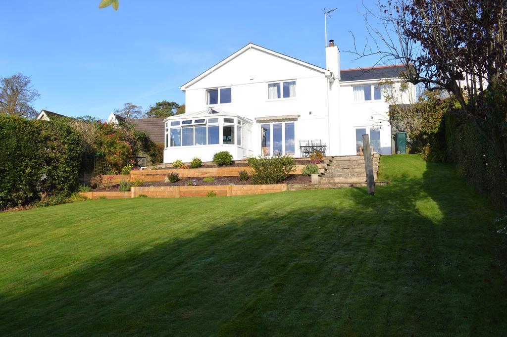4 Bedrooms Detached House for sale in Castle Hill, Llanblethian CF71