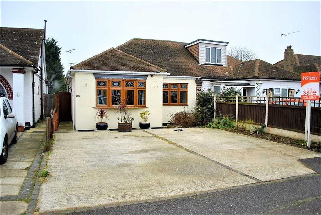 3 Bedrooms Semi Detached Bungalow for sale in Spencer Gardens, Rochford, Essex