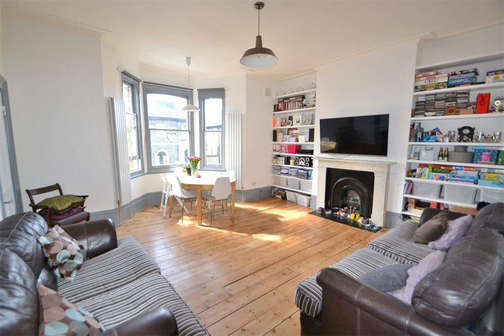2 Bedrooms Flat for sale in Chetwynd Road, Dartmouth Park, London, NW5