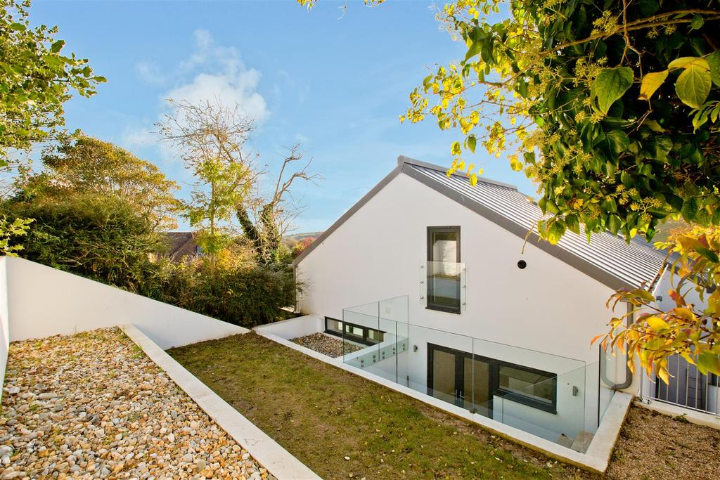 3 Bedrooms Semi Detached House for sale in Briarcroft Road, Woodingdean, Brighton