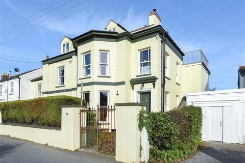 Houses for sale in braunton latest property onthemarket for Self garage caen