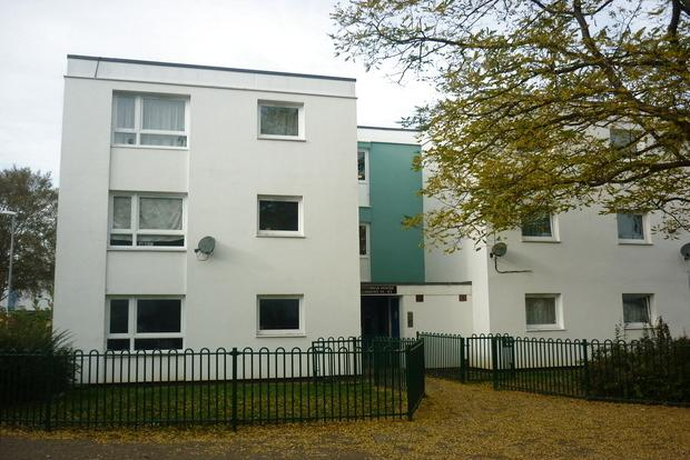 2 Bedrooms Flat for sale in Stitchman House, Byfield Road, Northampton, NN5