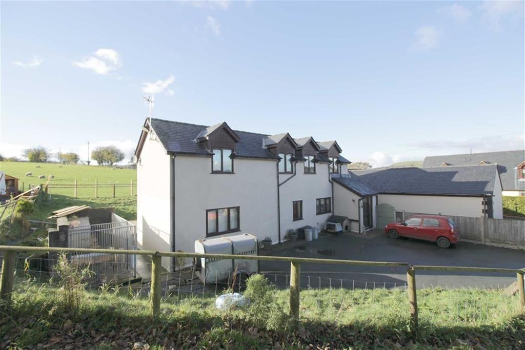 3 Bedrooms Detached House for sale in Ty Hir, Llangadfan, Welshpool, Powys, SY21