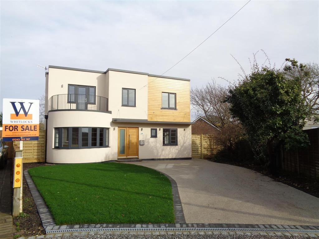 4 Bedrooms Detached House for sale in North Avenue, Middleton-On-Sea