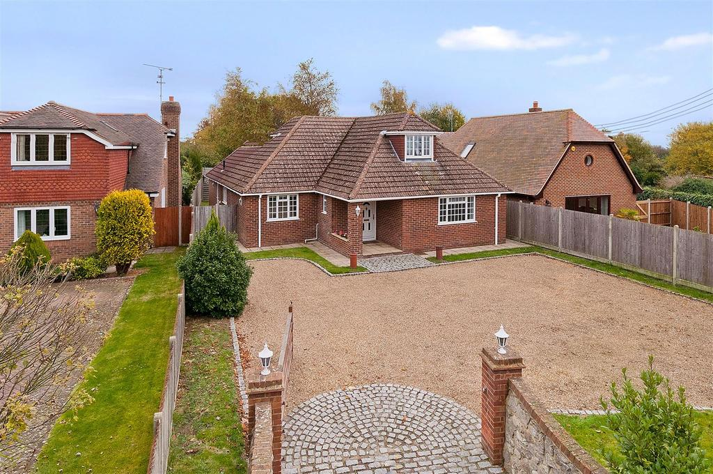 4 Bedrooms Detached House for sale in Butchers Lane, Mereworth