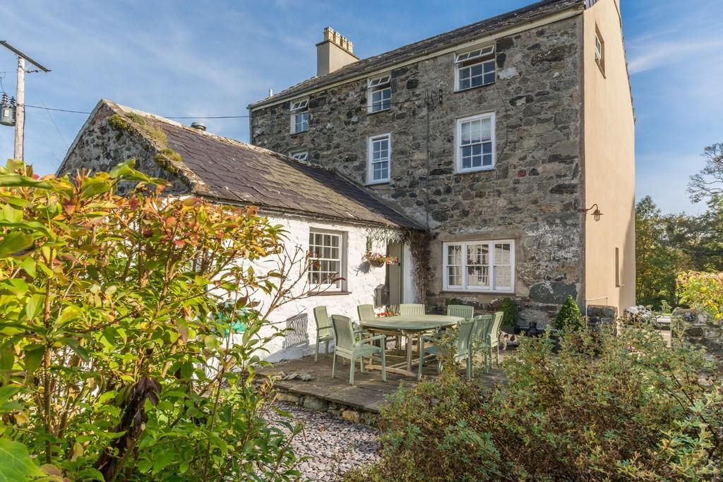 6 Bedrooms Detached House for sale in Llanfaglan, Caernarfon, North Wales