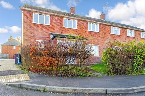 4 bedroom semi-detached house to rent - Severn Way, Tilehurst, Reading, Berkshire, RG30