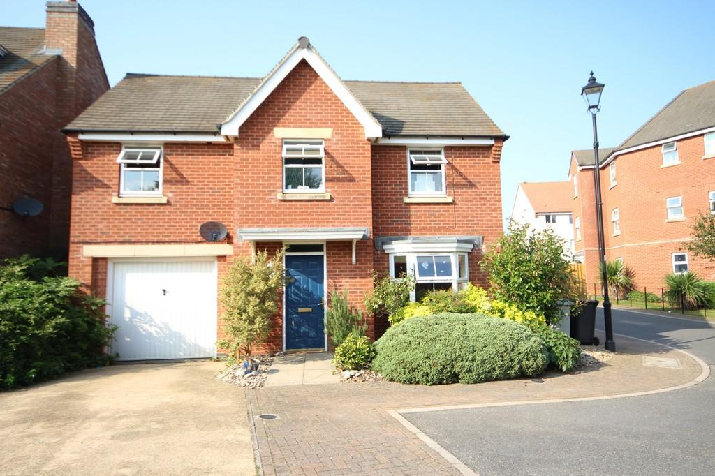 4 Bedrooms Detached House for sale in Goldfinch Road, Uppingham, Oakham