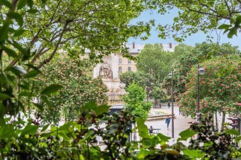 3 bedroom house  - Place Saint Sulpice, Saint Germain Des Pres, Paris