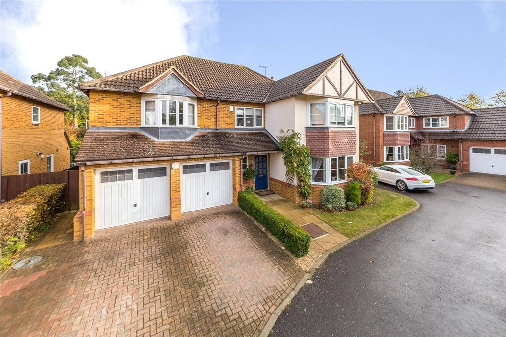 5 Bedrooms Detached House for sale in Mancroft Road, Aley Green, Luton, Bedfordshire