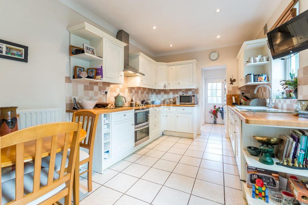 4 Bedrooms Semi Detached House for sale in Landcroft Road, East Dulwich, London, SE22
