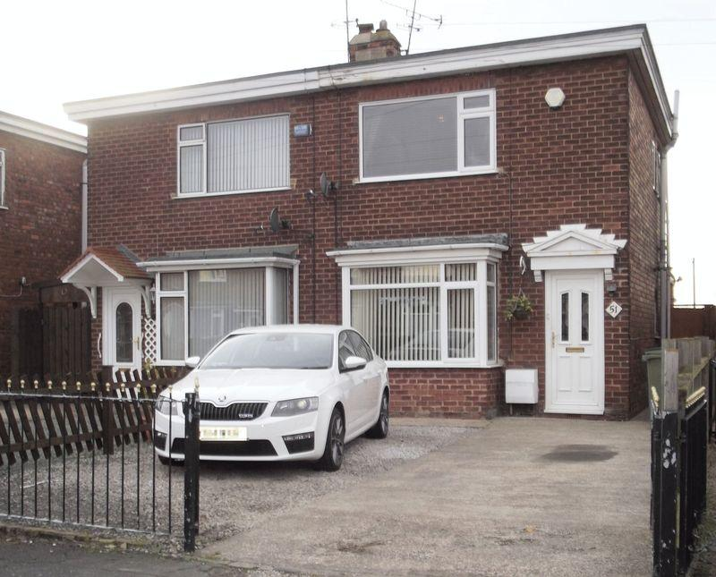 2 Bedrooms Semi Detached House for sale in Cradley Road, Hull