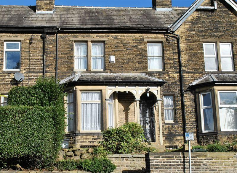 4 Bedrooms Terraced House for sale in Pearson Lane, Heaton, BD9 6BL
