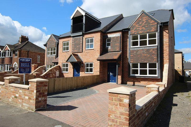 4 Bedrooms Terraced House for sale in 197 Newport, Lincoln