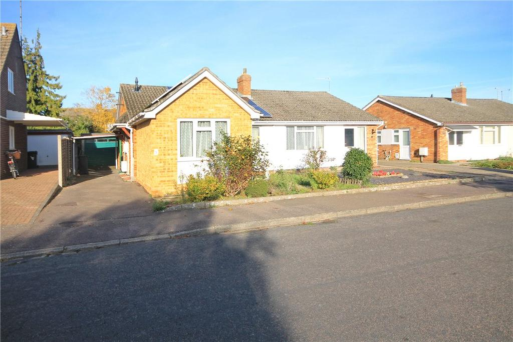 3 Bedrooms Semi Detached Bungalow for sale in Fontwell Avenue, Cambridge, CB4