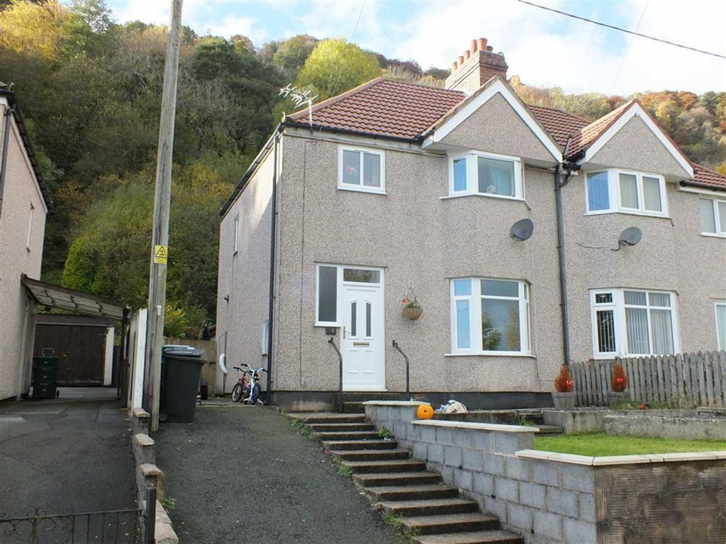 3 Bedrooms Semi Detached House for sale in 28 Tayler Avenue, Dolgarrog, Conwy
