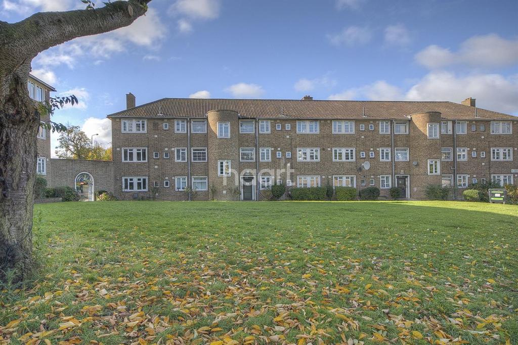 2 Bedrooms Flat for sale in Newland Court, Wembley Park