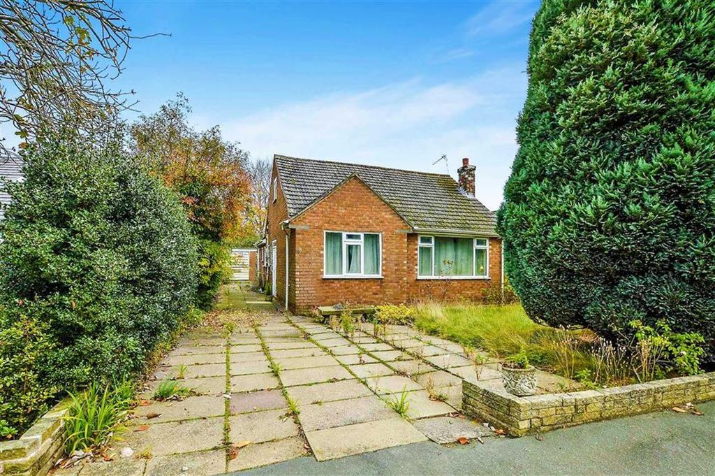 3 Bedrooms Detached Bungalow for sale in Longacres Road, Hale Barns, Cheshire, WA15
