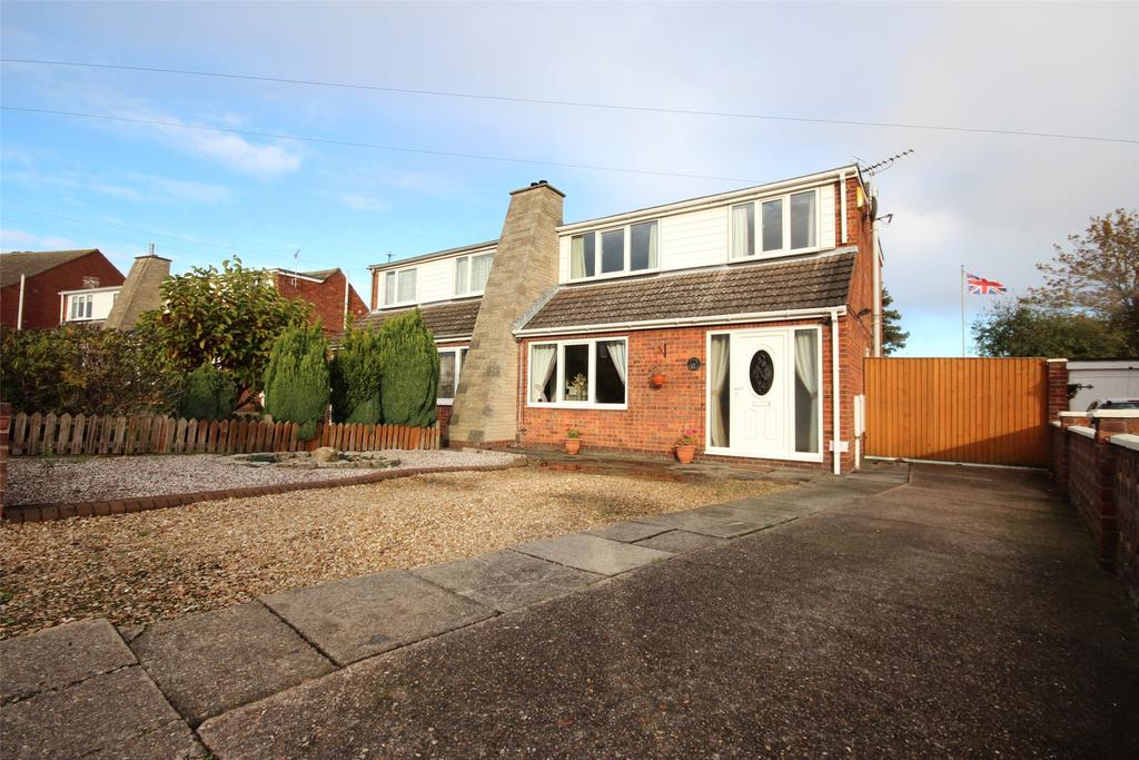 4 Bedrooms Semi Detached Bungalow for sale in Greyfriars, Wybers Wood, DN37