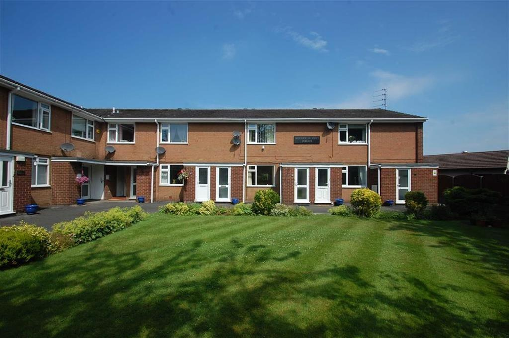 1 Bedroom Flat for sale in Woodfield Court, Woodsmoor, Stockport