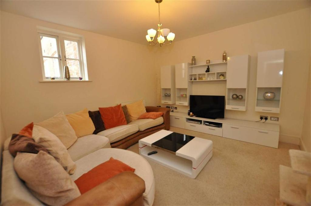 2 Bedrooms Apartment Flat for sale in Chapel Court, Windsor Street, Leamington Spa
