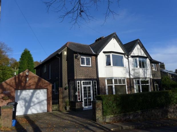 4 Bedrooms Semi Detached House for sale in Park Road Todmorden