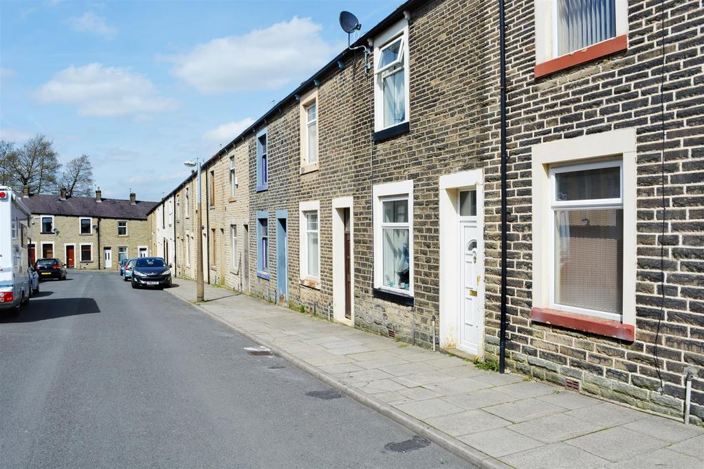 2 Bedrooms Terraced House for sale in Emily Street, Burnley