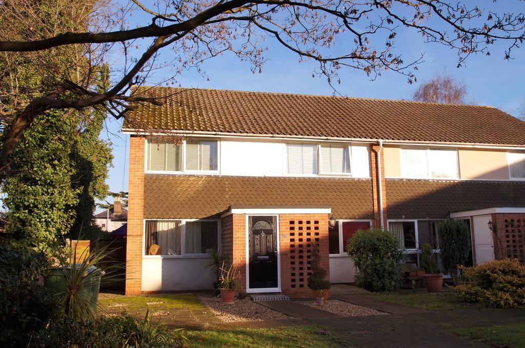 2 Bedrooms Maisonette Flat for sale in Weybridge KT13