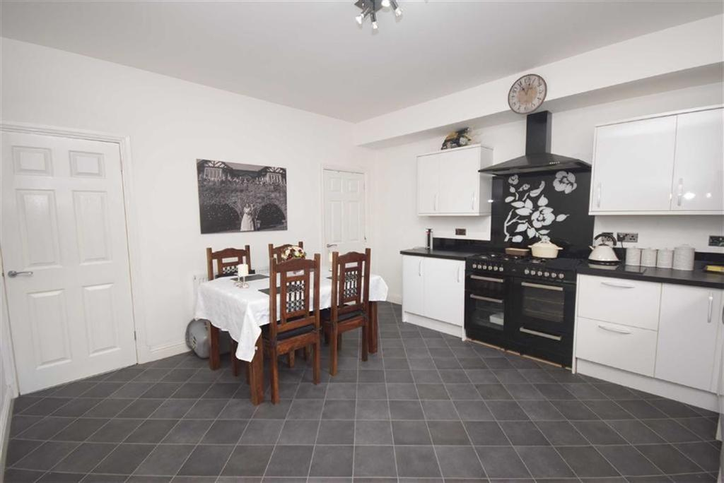 3 Bedrooms Terraced House for sale in Princess Street, Colne, Lancashire