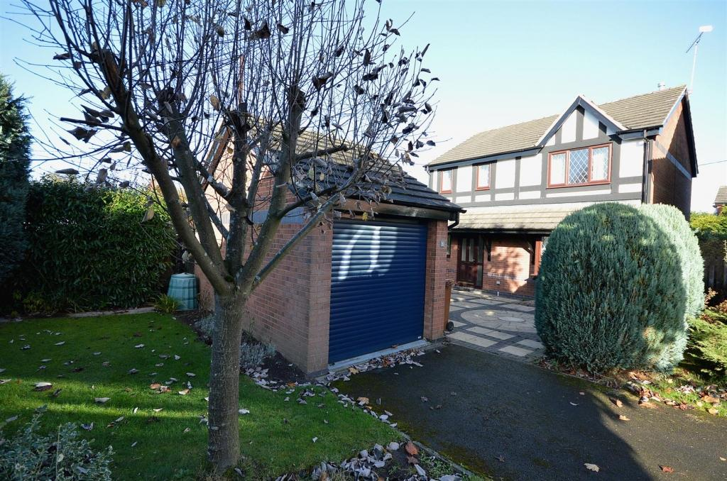 3 Bedrooms Detached House for sale in Bowkers Croft, Winterley, Sandbach