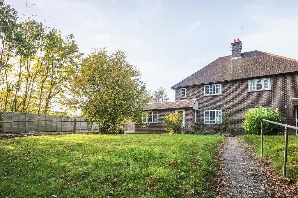 3 Bedrooms Semi Detached House for sale in Greatham, Liss, Hampshire