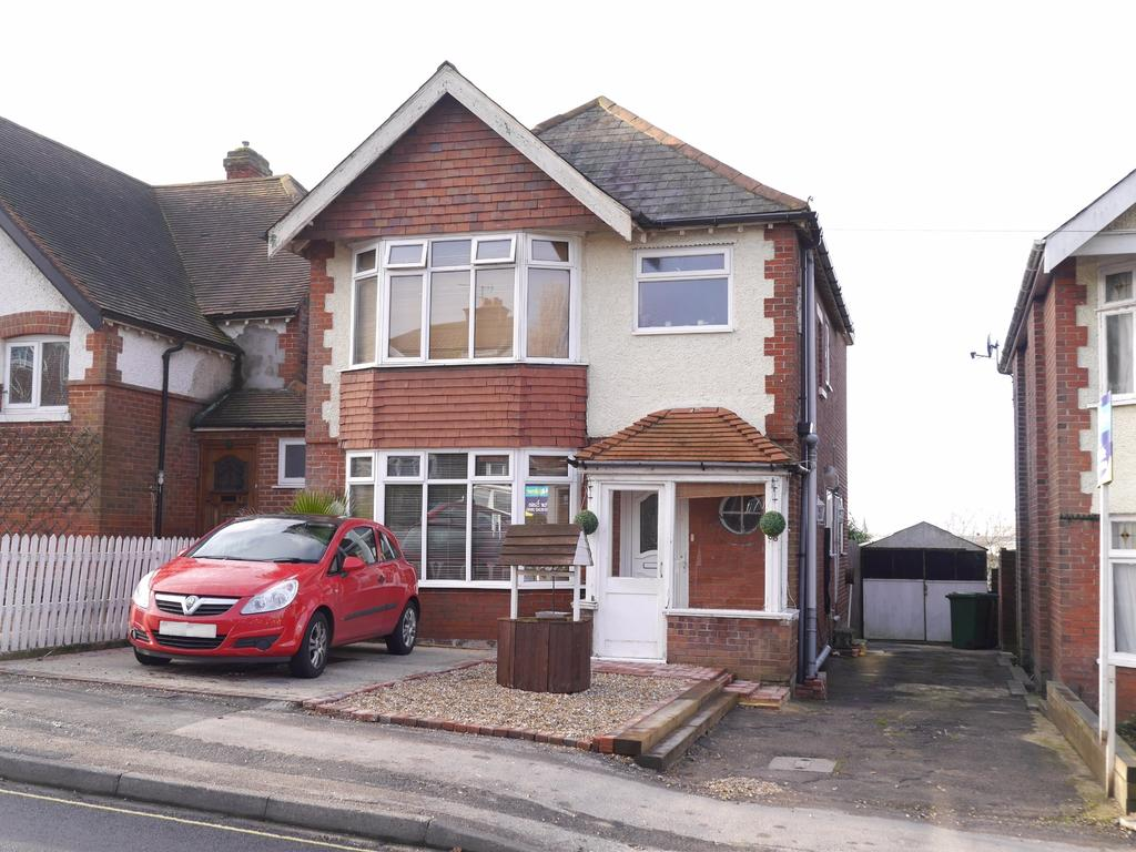4 Bedrooms Detached House for sale in Athelstan Road, Bitterne