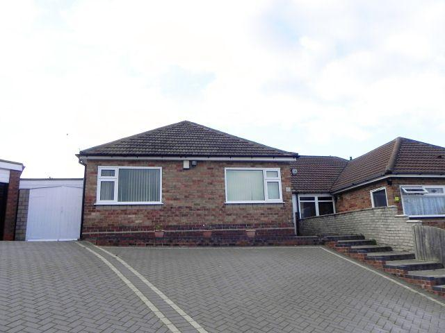 3 Bedrooms Semi Detached Bungalow for sale in Barnsbury Avenue,Sutton Coldfield,West Midlands