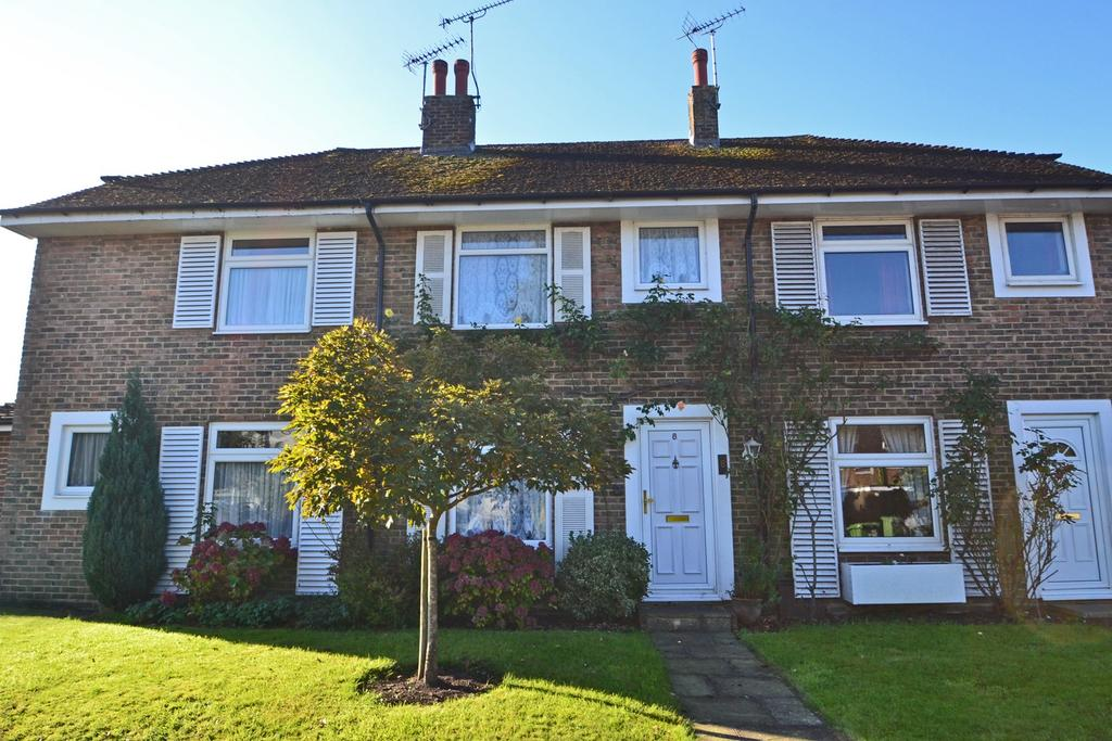 2 Bedrooms House for sale in Rectory Close, Storrington, Pulborough, West Sussex, RH20